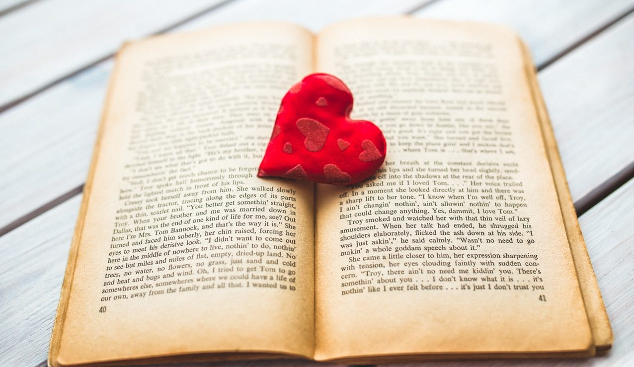Best Romantic books by Indian Authors 2016