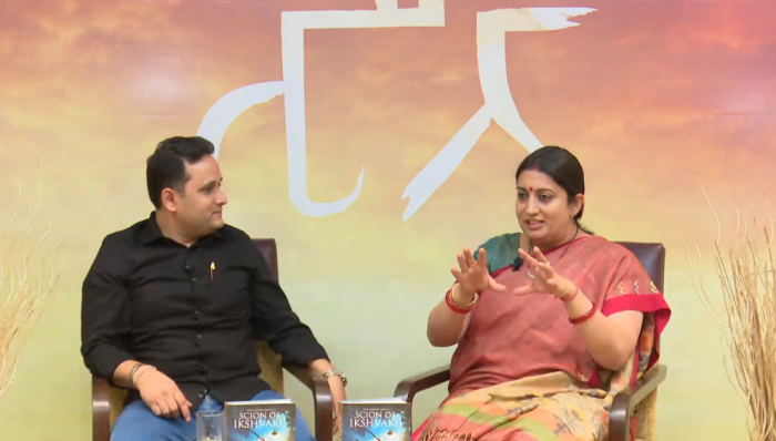 Amish Tripathi & Smriti Irani revealing title of 2nd Book of Ramachandra Series